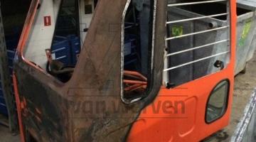 Cabine Daewoo 170 met brandschade